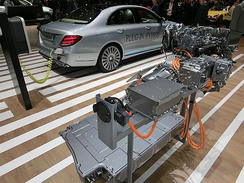 ダイムラーの「E350e」に搭載されているプラグインハイブリッドシステム