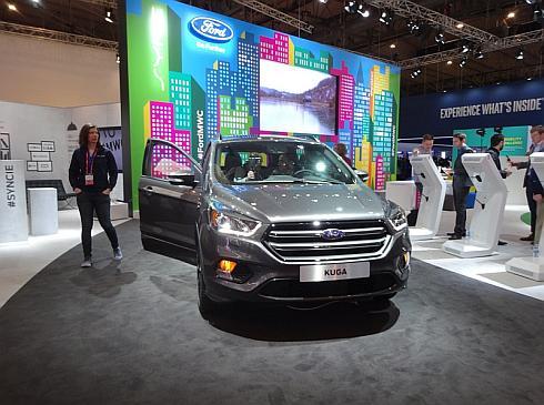 フォードが披露した新型「クーガ」