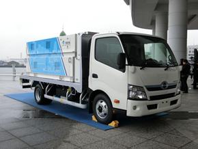 4トントラックがベースの水素充填車