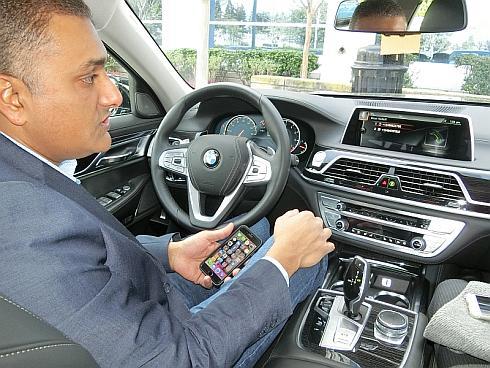 「BMW7シリーズ」を使って行った車載音声認識のデモンストレーション