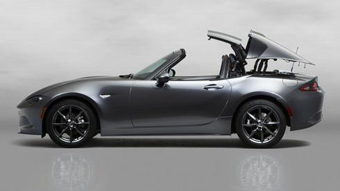 「ニューヨーク国際自動車ショー」で世界初公開する「Mazda MX-5 RF(日本名:マツダ ロードスター RF)」