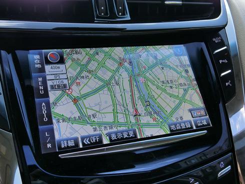 GM独自の車載情報機器のCUEとはいえ日本向けのカーナビゲーション画面はパナソニック的なデザインだ