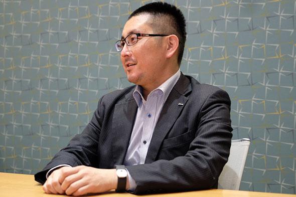 """""""つながるデバイス""""の重要性を語るのは、日本マイクロソフトの村林智氏(コンシューマ&パートナーグループ OEM統括本部 IoTデバイス本部 シニアチャネルエグゼクティブ)"""