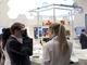 デジタル製造に新規参入したコニカミノルタ、ウェアラブルによる作業支援に注目