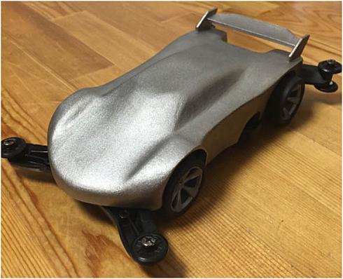 直接金属レーザーシンタリングで出力したミニ四駆ボディー