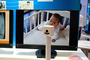 CEATEC JAPAN 2015に展示されていた「家族目線(HVC-C2W)」