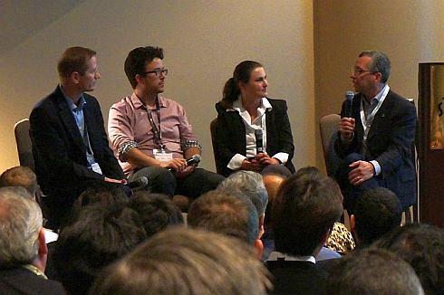 グーグルのエンジニアリングマネジャーであるChris Mckillop氏(左から2番目)からFCAとの提携について語られることはなかった