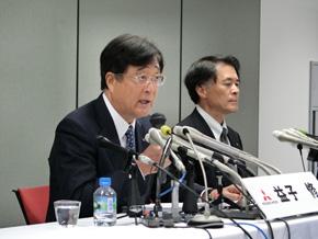 写真左から三菱自動車の益子修氏と山下光彦氏