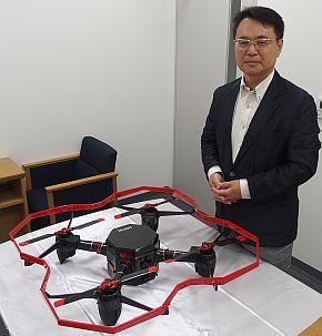 デンソーの加藤直也氏と産業用UAV「HDC01」