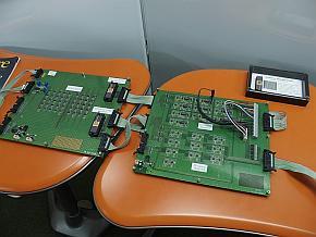 「ニューロコンピューティング」の概念実証用ボード
