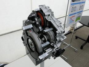 ジェネレーターからも駆動力を得るためのデュアルモータードライブシステム