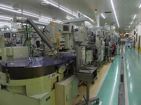 第3工場にある内輪の研磨/組み立てラインでも「生産ラインの無人化」に向けた取り組みが進められている