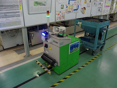部品投入に用いるのと同じタイプのロボット