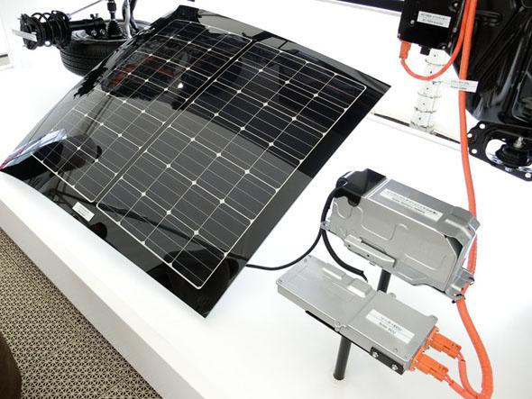 2016年冬に発売するトヨタ自動車のプラグインハイブリッド車「プリウスPHV」のソーラー充電システム