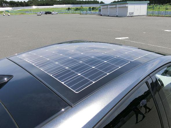 プリウスPHVのソーラー充電システムは北米を除いてオプション設定となる