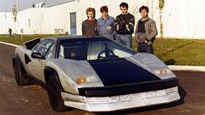 ランボルギーニが1983年に制作したCFRP製のボディー&シャシーを持つワンオフのプロトタイプモデル「カウンタック・エヴォリューション」