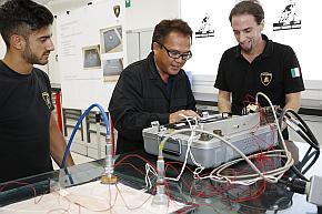 「フライングドクター」専用のボックスシステムで加熱