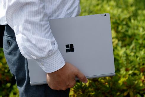 """""""いつでもどこでも設計開発""""の環境を実現する「Surface Book」"""