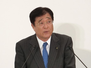 益子氏は社長に留任した。ゴーン氏が「アライアンスに必要」と説得した