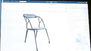 「Dreamcatcher」がさまざまなパターンのいすをデザインする様子