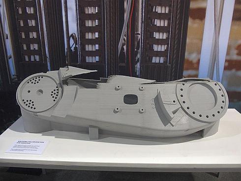 5つのヘッドによって積層造形したABBの産業用ロボットアーム