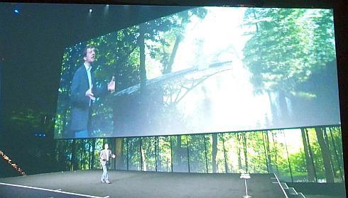 2年前の「Autodesk Universityで」でコヴァルスキ氏が語った、ロボットが3Dプロントで橋を自動で組み立てるコンセプト