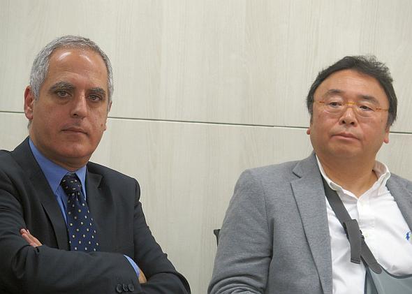 アズジェントの杉本隆洋氏(右)とカランバのデビッド・バラジライ氏(左)