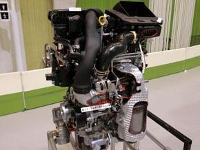 新開発の排気量1.0l(リットル)のターボエンジン