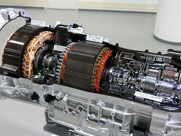 マルチステージTHS IIは4速ATとCVTによってシステムの伝達効率を高速走行でも維持する
