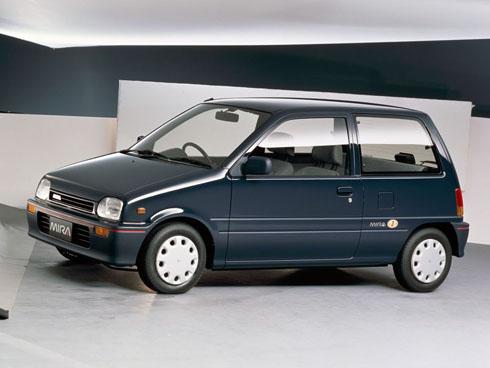1991年発売のダイハツ工業「ミラ」。JタイプPの場合、車両本体価格は72万2000円