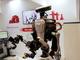 自走式双腕ロボット、研究所などの実験作業を自動化