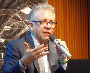 NVIDIA バイスプレジデント 兼 ゼネラルマネージャー プロフェッショナル ビジュアライゼーションのボブ・ペティー氏