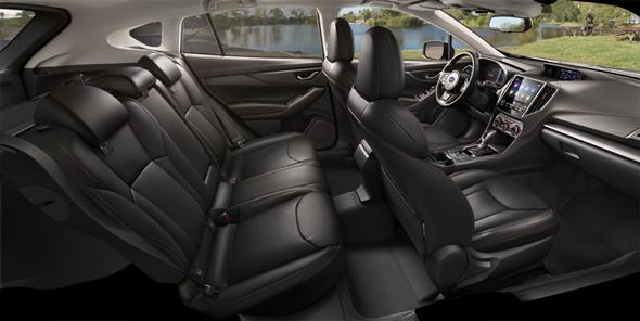 新型XVのインテリア。動的質感の向上や振動低減により、車格を超えた快適性を実現した