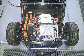部品メーカーの技術がEVスポーツカーとなり、世界で注目を集めている