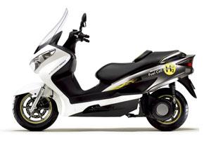 バーグマン フューエルセル スクーターは、より現実的で身近な燃料電池二輪車に