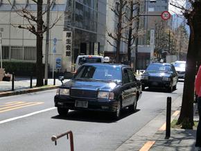 日本ではタクシー業界の反発が強い