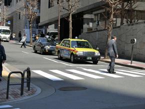 ライドシェアは白タクか? タクシーと何が違う?