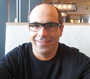 インテルのアミール・コスロシャヒ氏