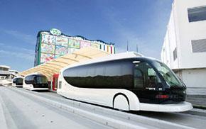 無人運転と手動運転の切り替えが可能なバス「IMTS」