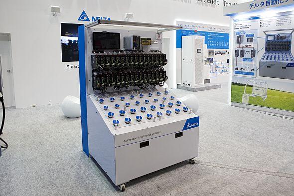「TECHNO-FRONTIER2017」で披露した、1台のコントローラーにより32個のモーターを同期制御するデモンストレーション