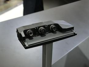 次世代の前方監視用カメラ「TRI-CAMカメラ」