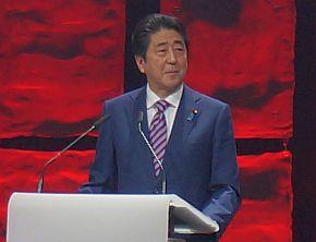 「Welcome Night 2017」で講演する安倍晋三氏