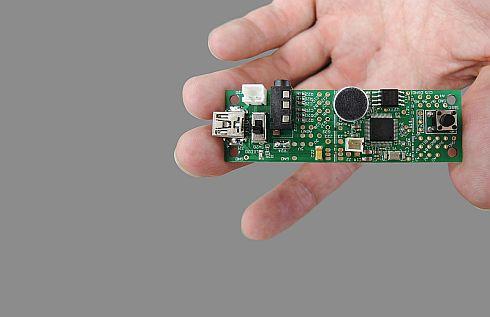 「HEARTalk」を搭載する電子工作向け基板「HEARTalk UU-001」