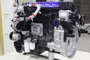 エンジンはGH11型と、先代に搭載されていたものを踏襲しているが、燃料噴射システムや吸排気系、触媒システムなどを改善している