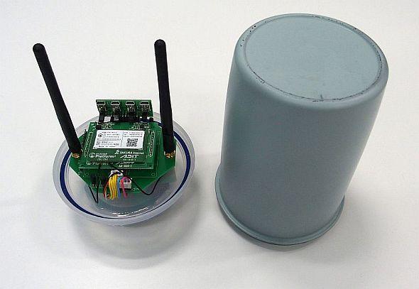 「灯油タンク残量計測サービス」の実証実験に用いられているIoTデバイス