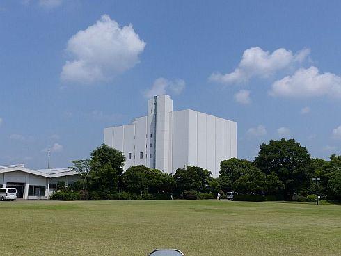 府中事業場の「衛星インテグレーションセンター」