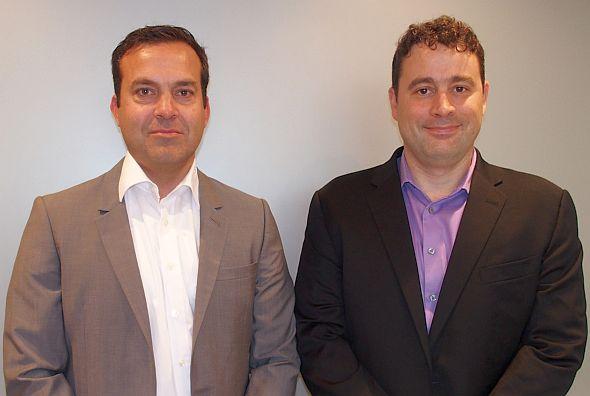 Vector Softwareのマッツ・ラーソン氏(左)とスティーブ・バーリョー氏(右)