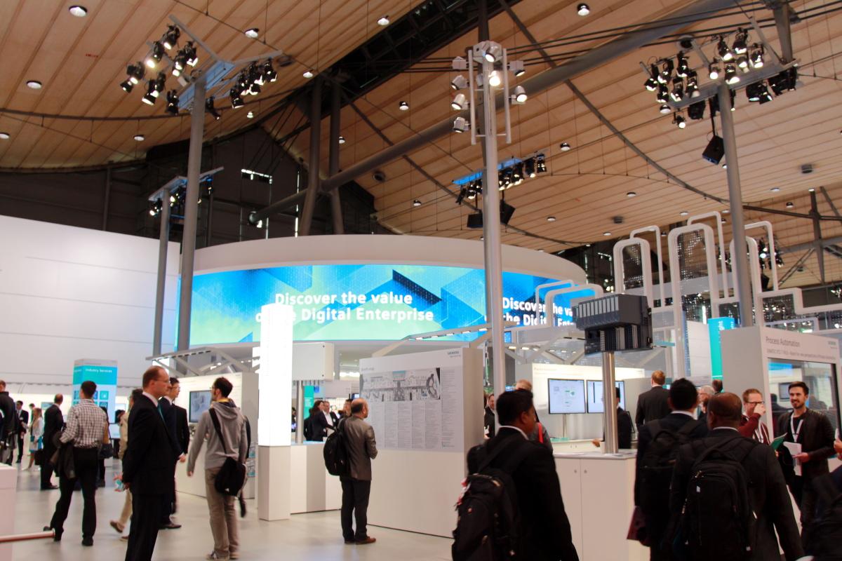インダストリー4.0とロジスティクス4.0が融合、ドイツの展示会が初の共同開催