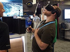 展示会場ではさまざまなVRシステムが使われていた