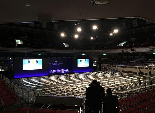 「第1回Future Mobility Summit 2017」が開催された両国国技館